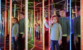 Belépő 1 főnek Tükörlabirintusba vagy Interaktív 3D padlóvetítésre a Dream Land-be 34-51% kedvezménnyel