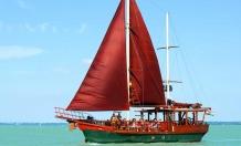 Sétahajózás a Balatonon