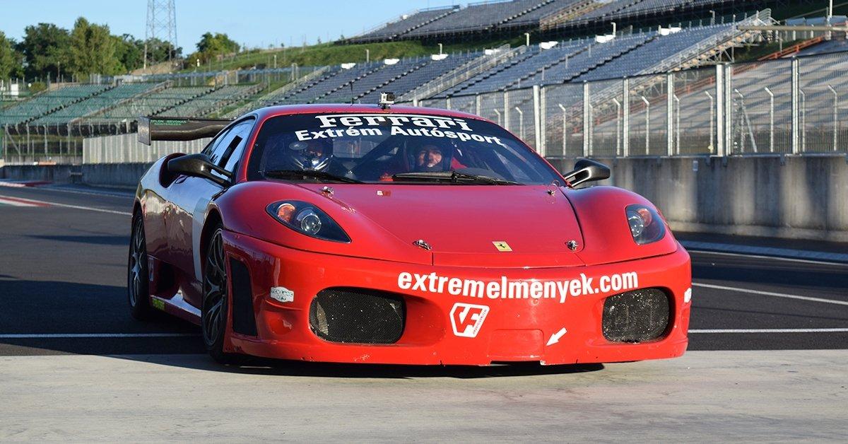Kapaszkodj, indulunk: vezess Ferrari F430 GT versenyautót