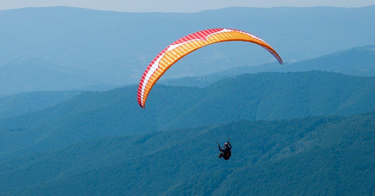 Bevezetés a repülés világába: 7 napos siklóernyős tanfolyam