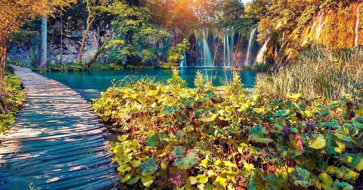 Vár a Vízesések labirintusa: kirándulás a Plitvicei-tavakhoz