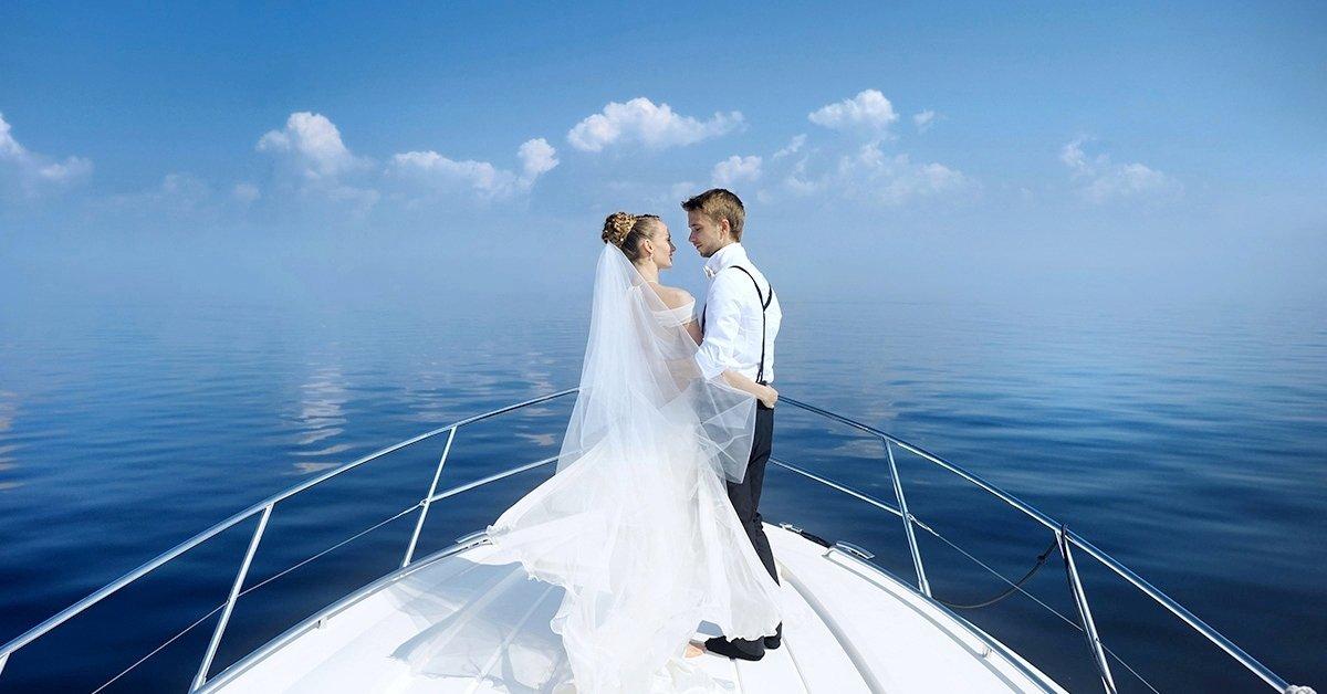 Balatoni álomesküvő a Talizmán Yacht fedélzetén