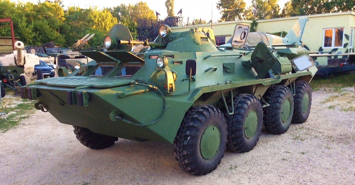 Guruló páncélszekrény:  BTR 80 páncélozott jármű vezetés