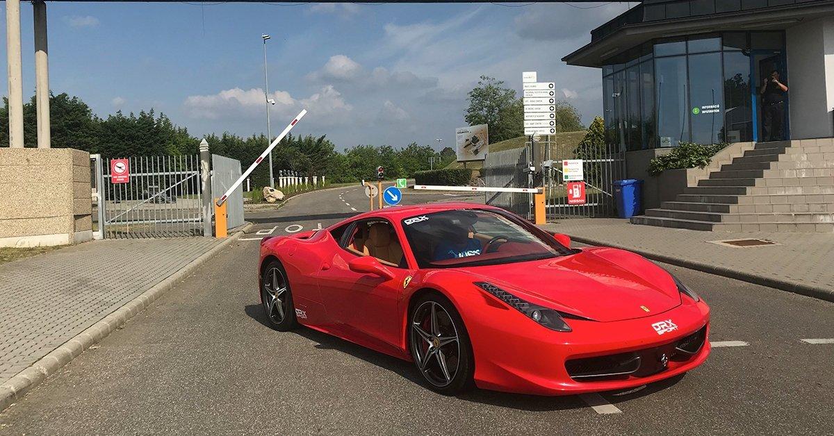 Ferrari 458 Italia 4.5 V8 élményvezetés a DRX Ringen