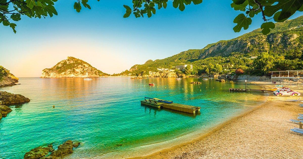 Nyaraljatok Korfun