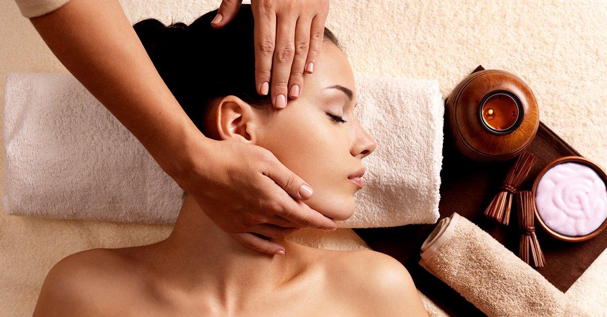 Stresszoldó, nyugtató arc-, nyak- és dekoltázsmasszázs