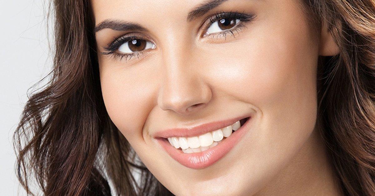 Elbűvölő mosoly: ultrahangos fogkő-eltávolítás polírozással