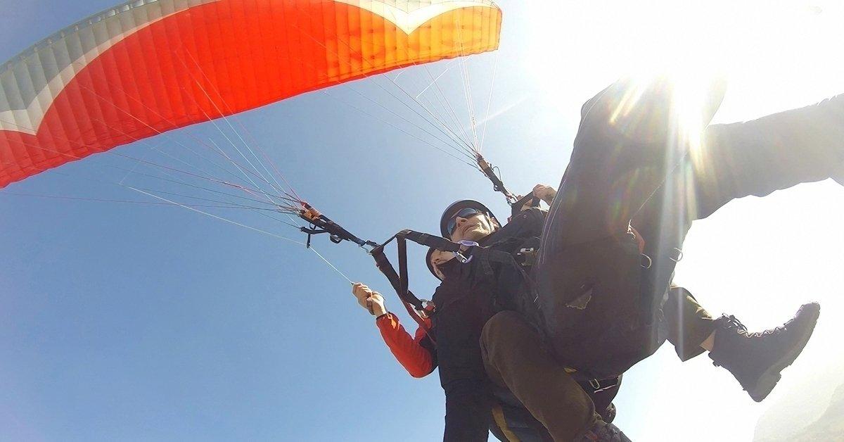 Szállj fel a magasba: tandem siklóernyőzés több helyszínen