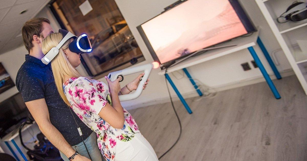 Különleges randevú: VR randi nachosszal és üdítővel