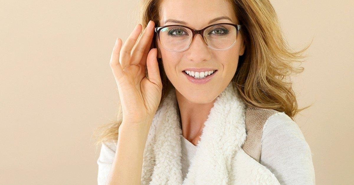 Szemüvegkészítés normál Hoya lencsékkel, látásvizsgálattal