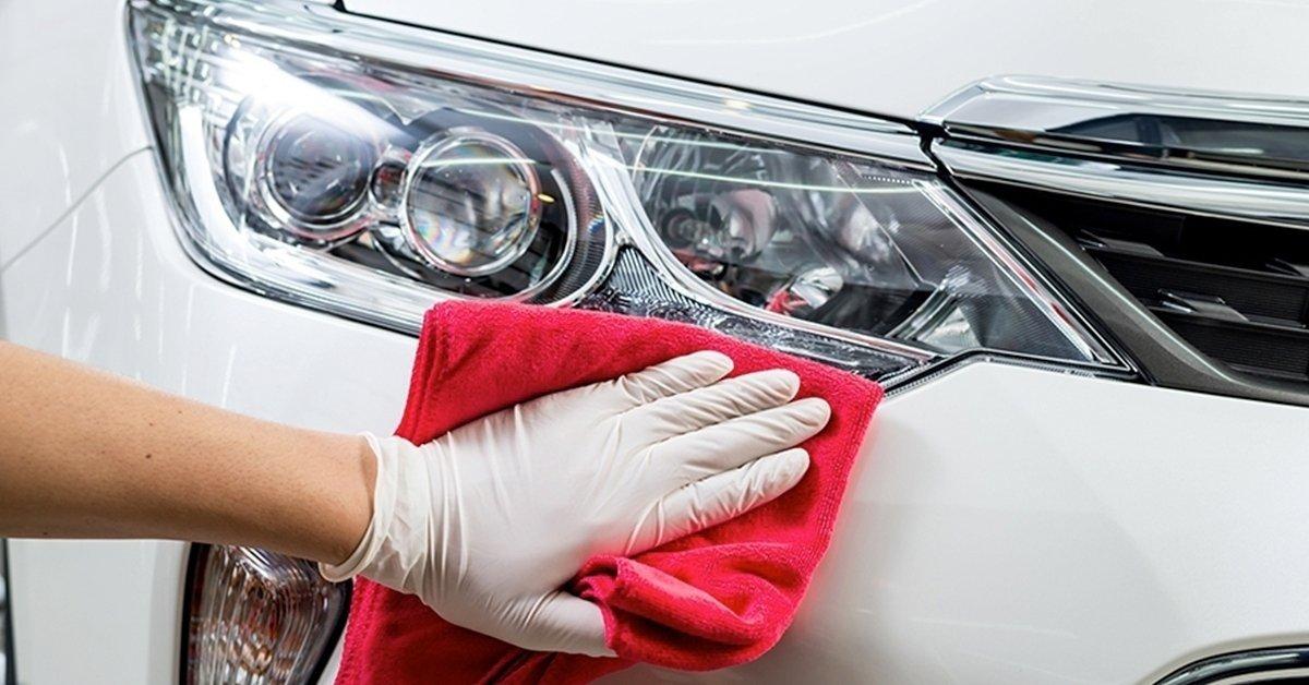 Fényszóró polírozás + prémium külső mosás
