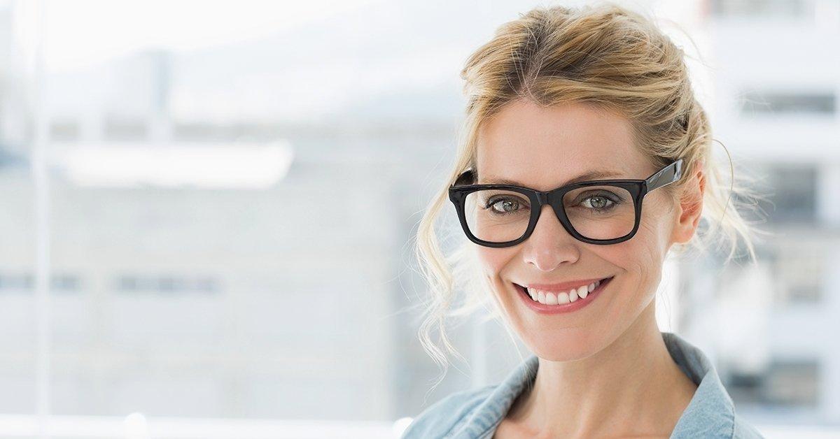Egy szemüveg mind fölött: multifokális szemüvegkészítés