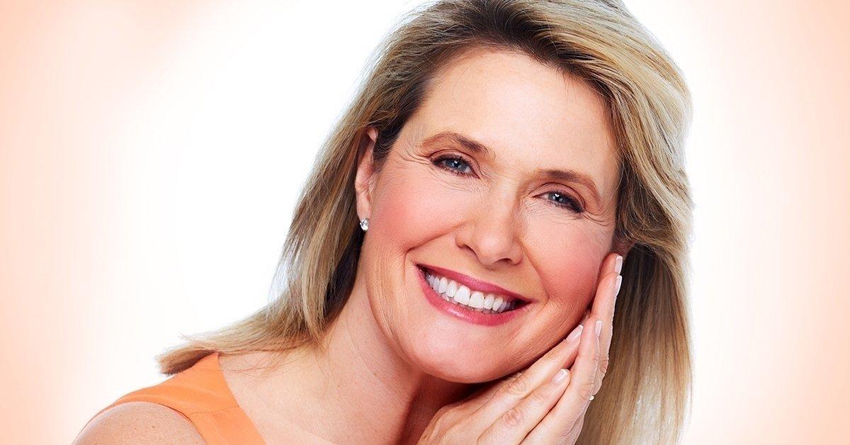 Rögtön terhelhető komplett fogászati implantátum beültetése