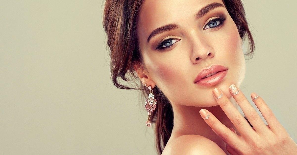 Hydroabráziós arccsiszolás és tű nélküli mezoterápia