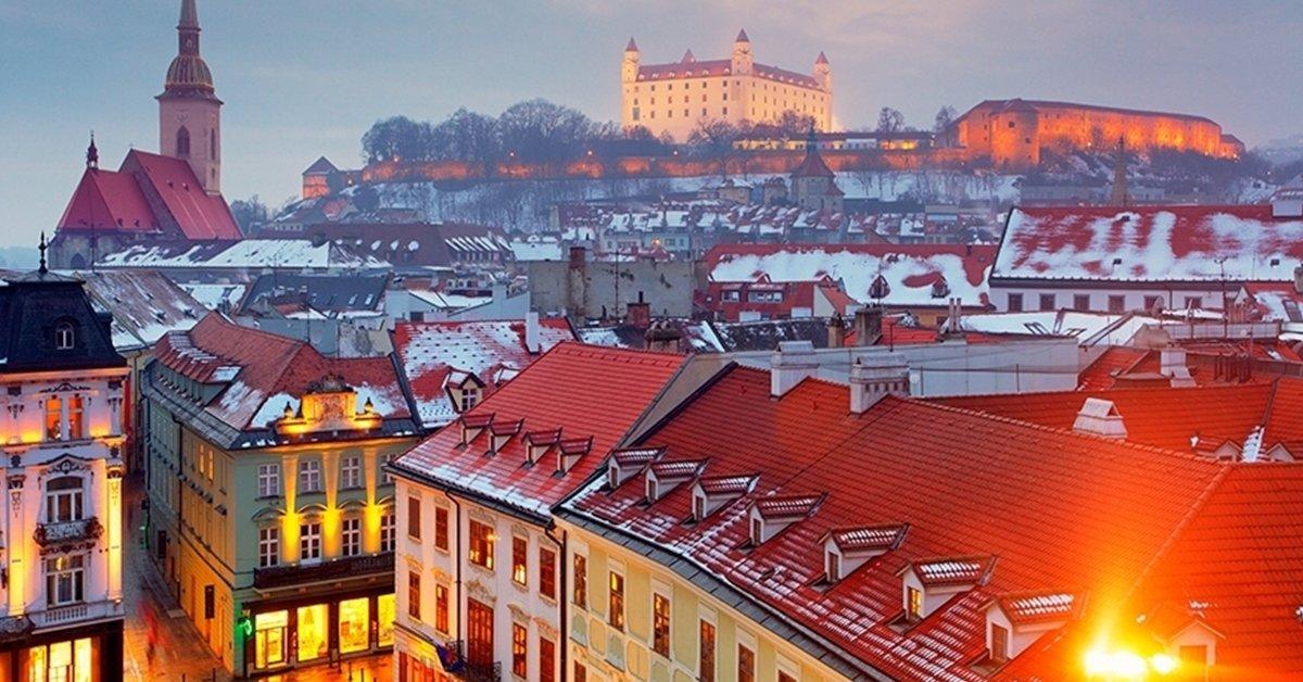 Adventi buszos utazás Schloss Hofba és Pozsonyba 1 főnek