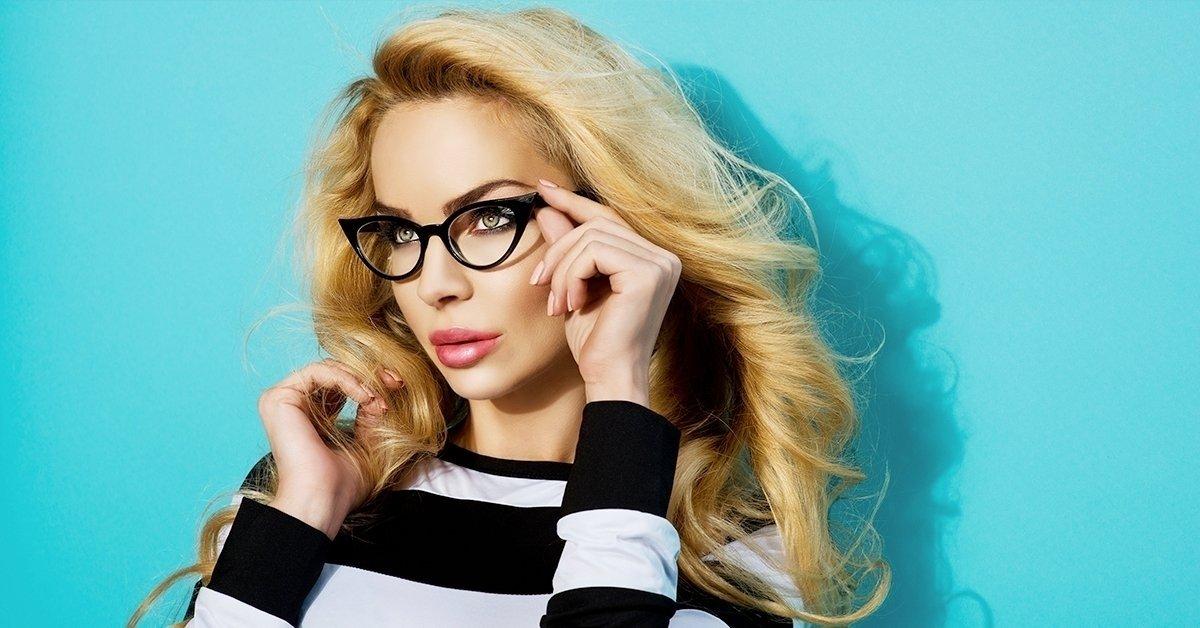 Új szemüveg, új külső: szemüveg készítése trendi kerettel