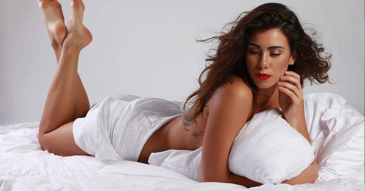 Egy csepp pikantéria: exkluzív glamour fehérneműs fotózás