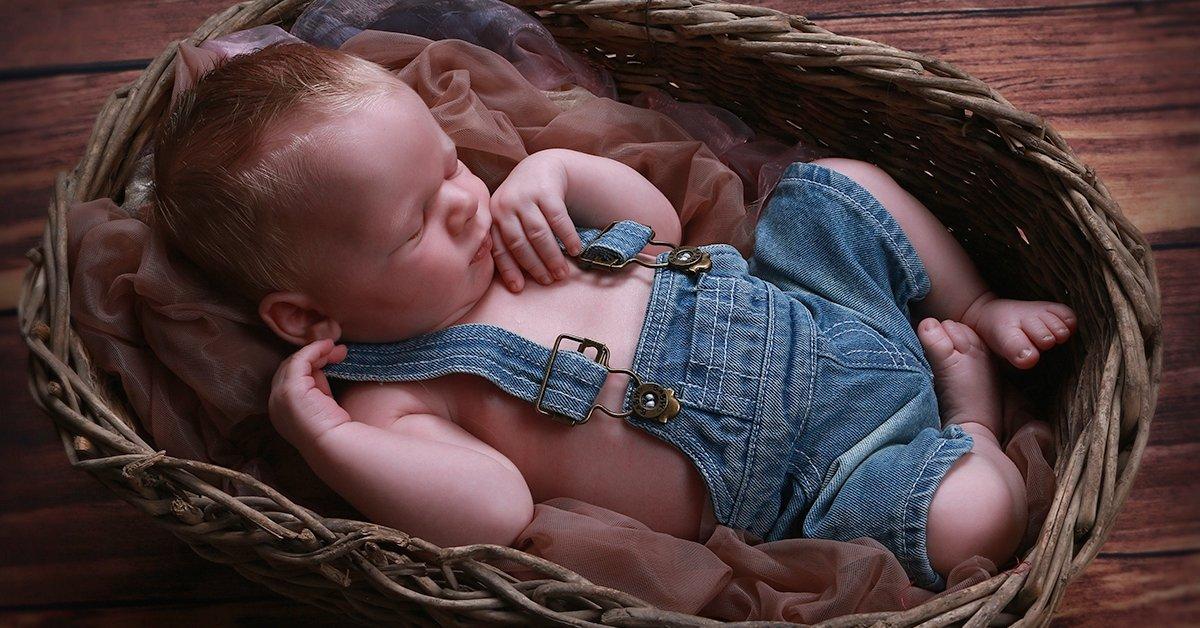 Újszülöttfotózás 15 darab retusált képpel