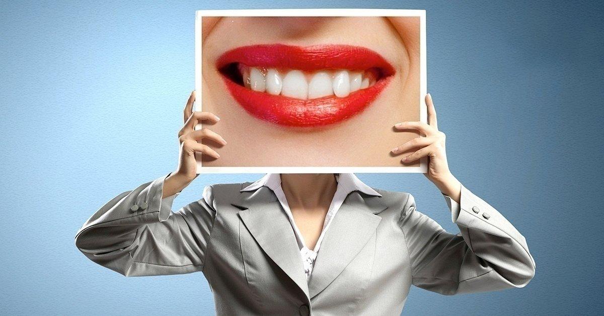 A ragyogó mosolyért: LED lámpás fogfehérítés