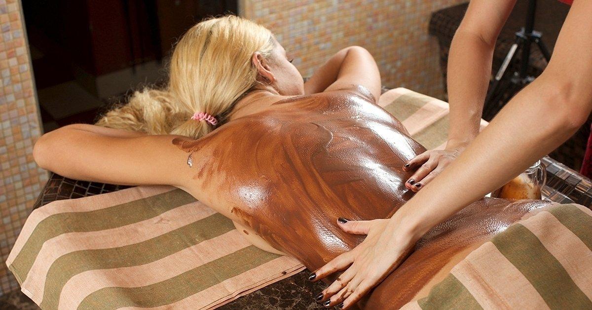 Csokoládémasszázs csokis pakolással