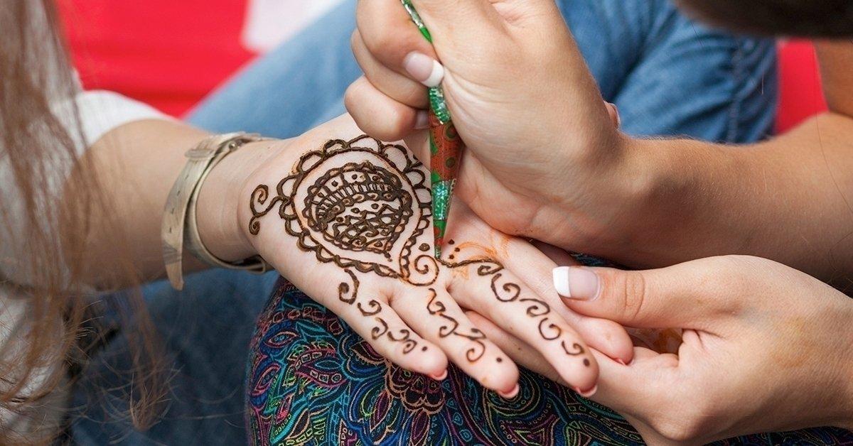 1 napos intenzív hennafestés és csillámtetoválás tanfolyam