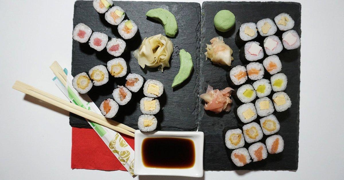 Házhoz kapod: 36 db-os Sushi Box 2 db szerencsesütivel