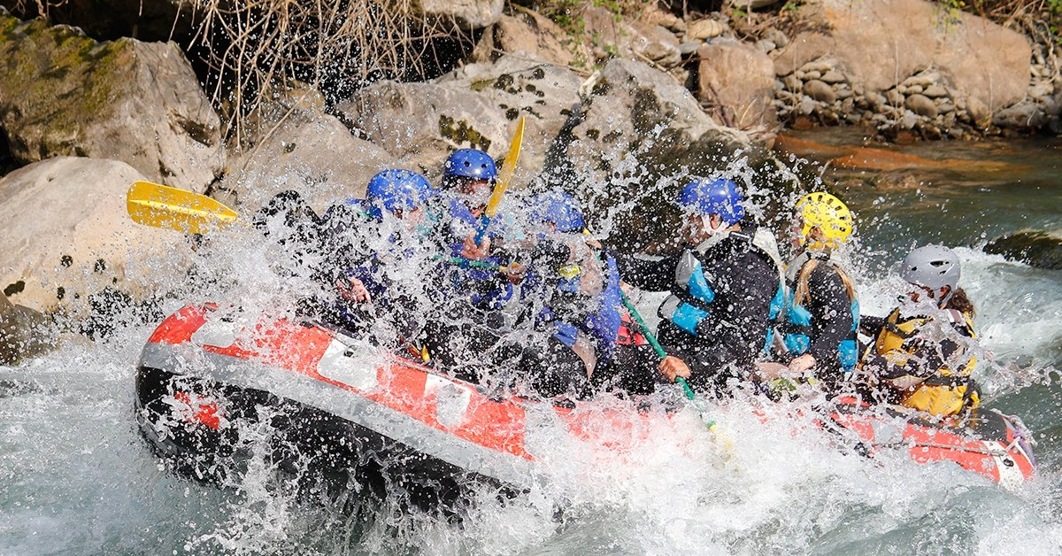 Vadvízi élmények: 2 napos rafting Erdélyben a Csernán