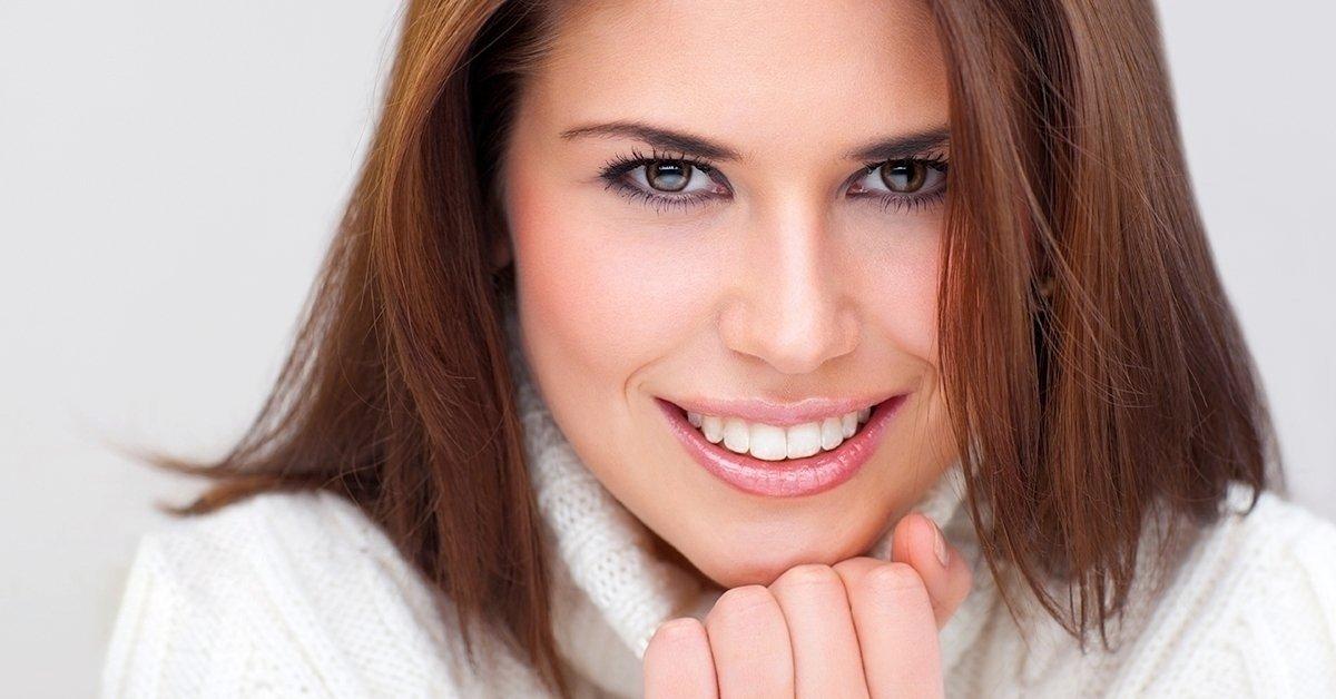 Vakító fogak: LED lámpás fogfehérítés fogkő-eltávolítással