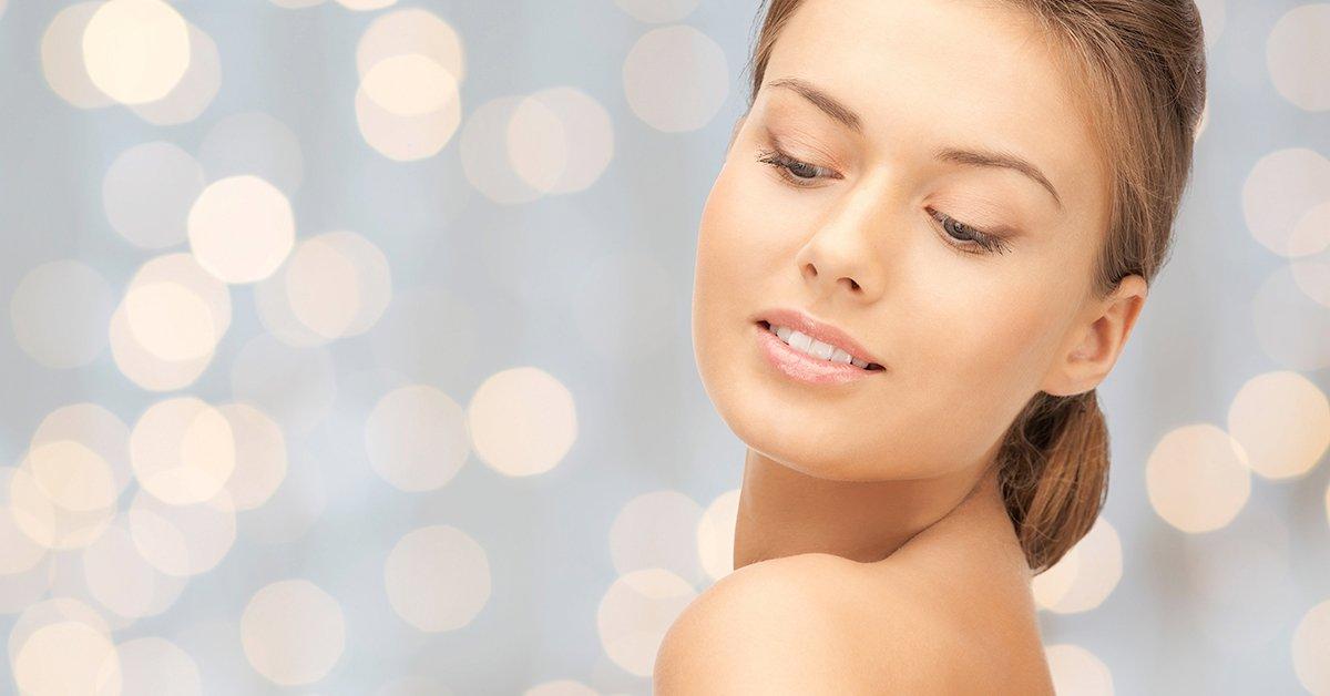 Hidroabráziós arckezelés vitaminos kényeztető masszázzsal