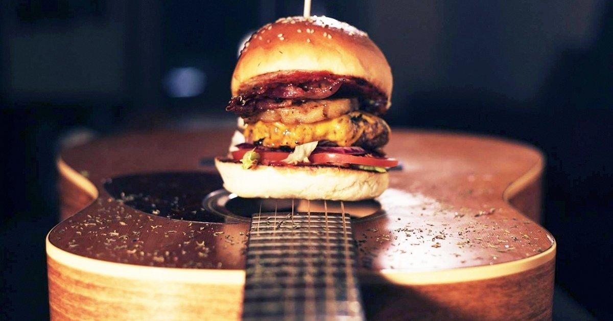 Csapj a húsok közé: páros Beatlesburger menü sörrel