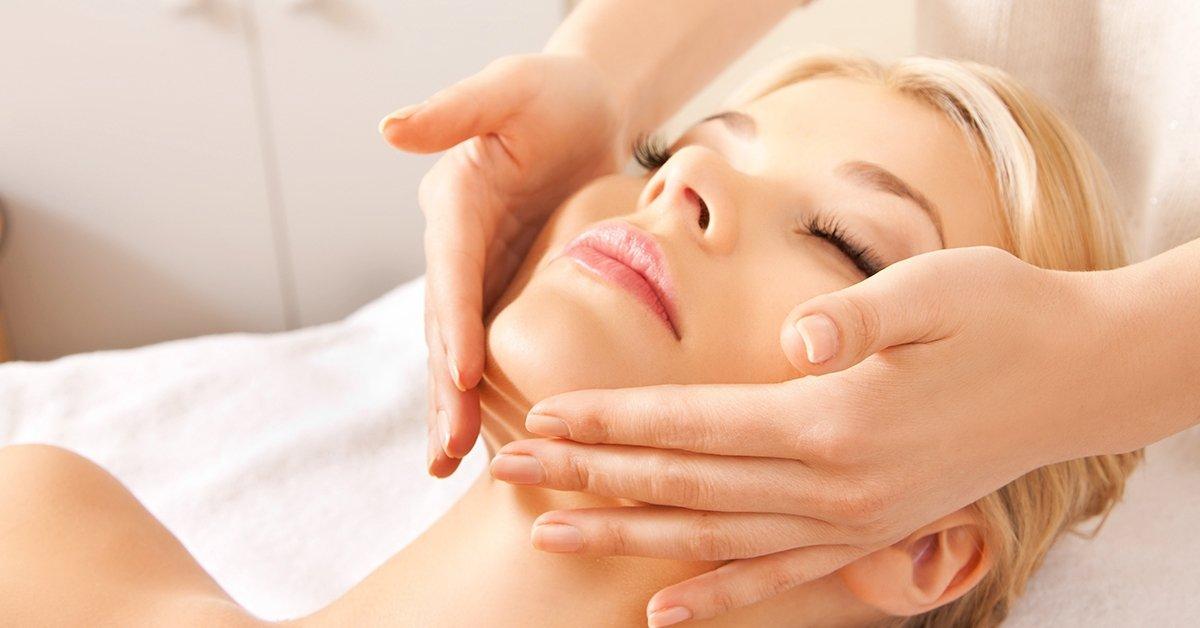Újulj meg: őssejtes regeneráló arckezelés érett bőrre