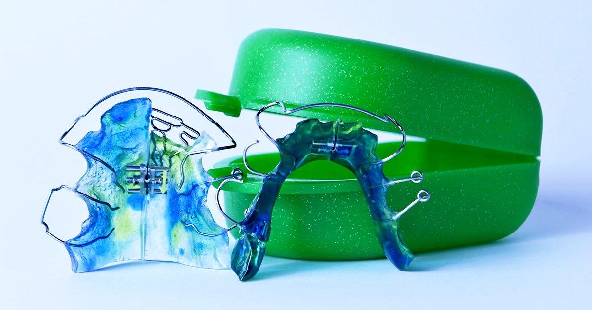 Kivehető fogszabályozó készülék gyermekeknek 2 fogívre