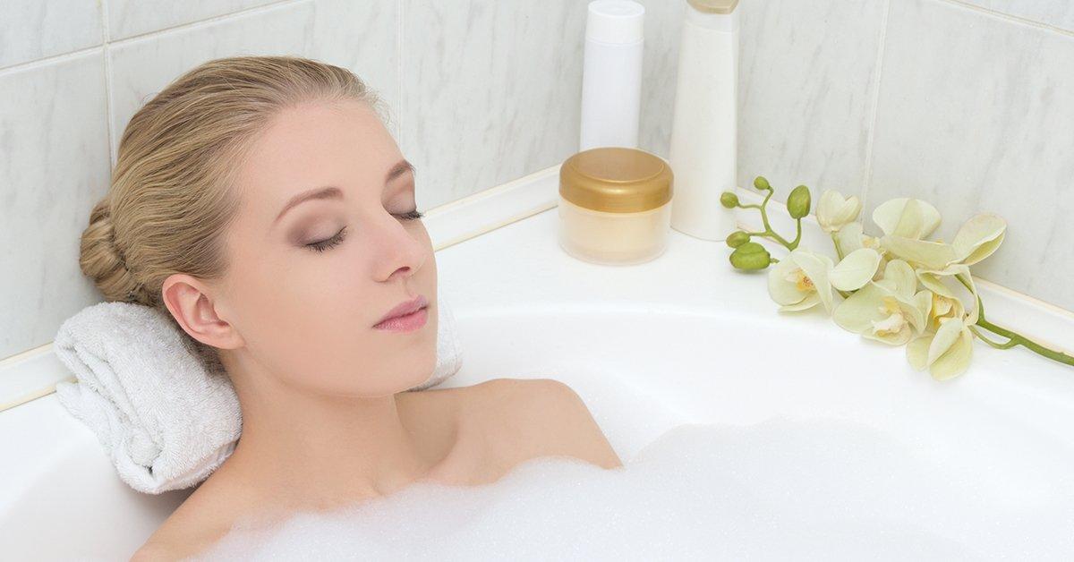 30 perc aromaterápiás fürdő pezsgővel és fejmasszázzsal