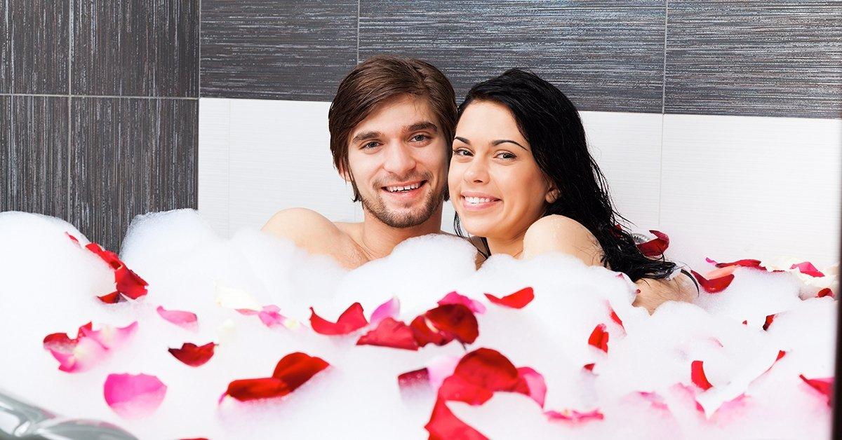 Aromaterápiás fürdő és páros rózsaolajos masszázs