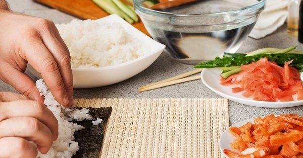 Ízek, színek, illatok összehangolása: sushi készítő workshop