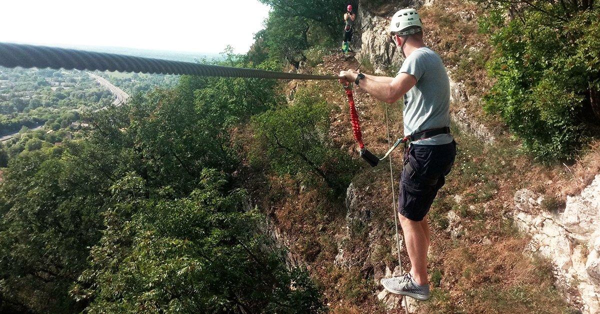 Via ferrata túravezetés: drótkötélpályán Magyarország felett