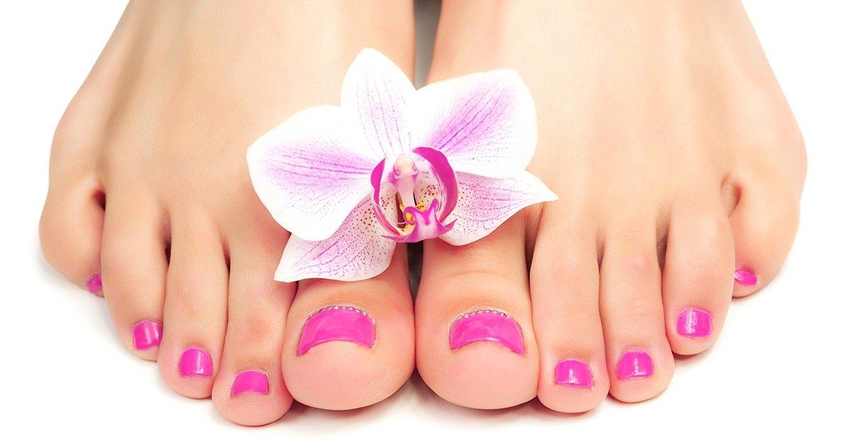 Ápolt lábfejek: pedikűr kezelés akár géllakkozással