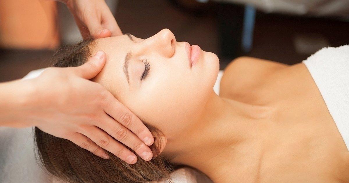 Enyhítsd a fájdalmakat: migrénmasszázs-tanfolyam