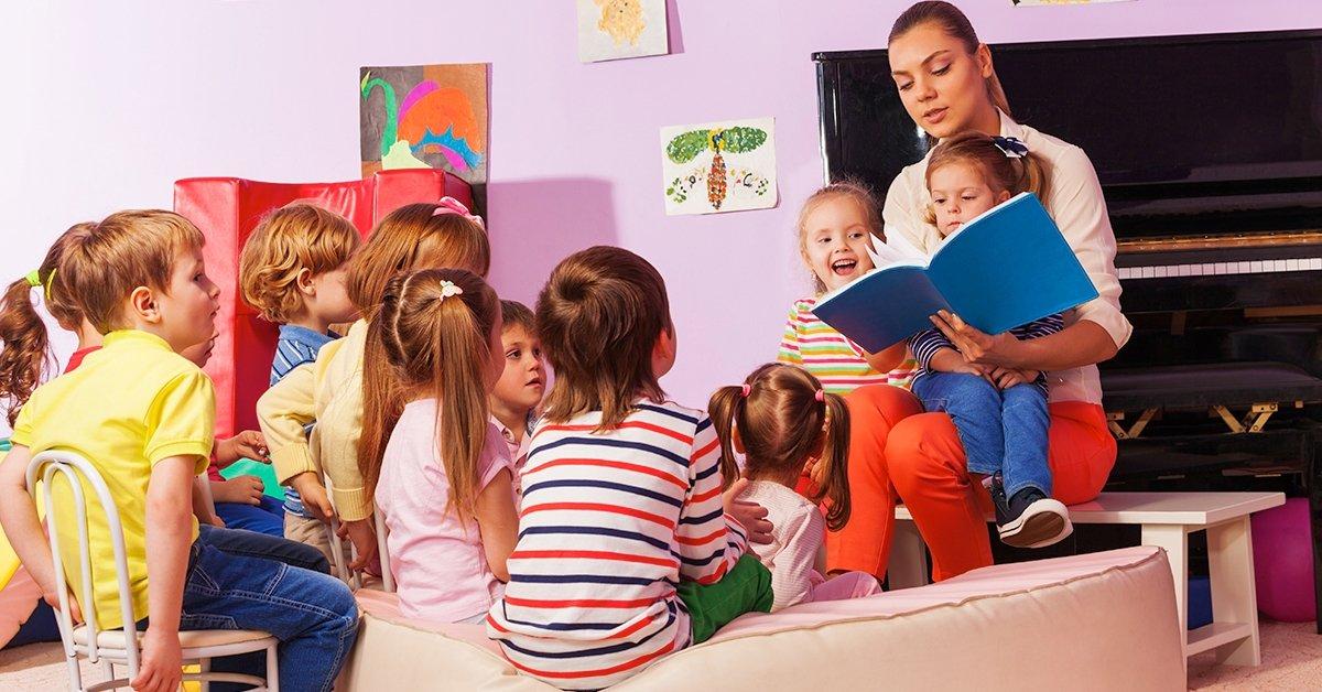 A legkisebb hősök segítője: mesefoglalkozás gyerekeknek