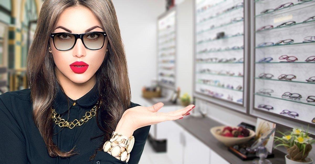 Fényre sötétedő lencse szemüvegkerettel 78add6a24f