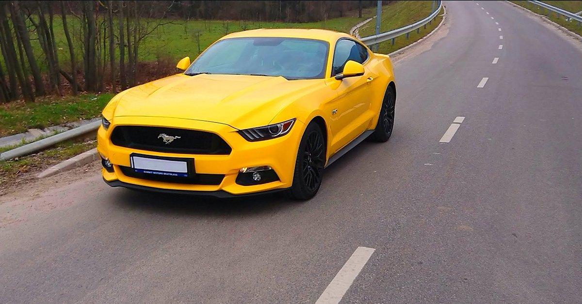 Ford Mustang élményvezetés