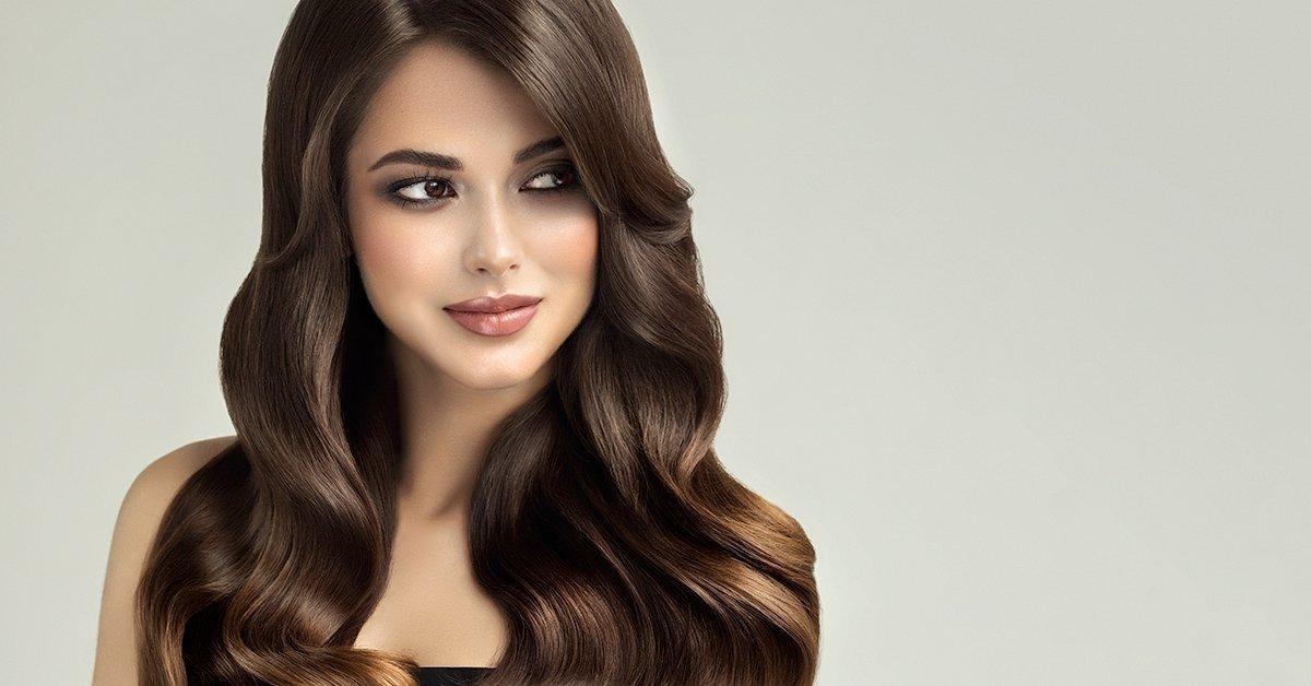 Randi egy lány, természetes haj