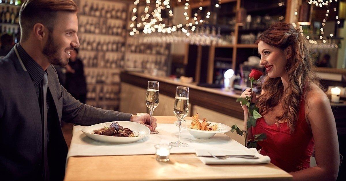 Romantikus vacsora pezsgővel