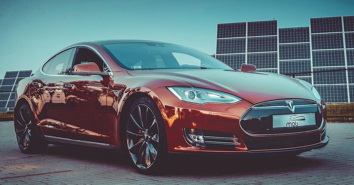 Tesla élményvezetés