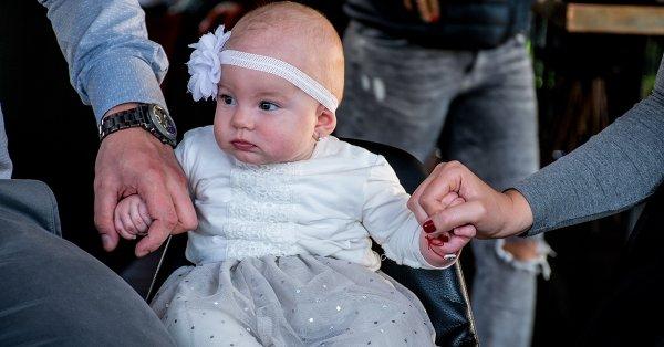 Újszülött vagy gyermekfotózás Budapesten választható helyen
