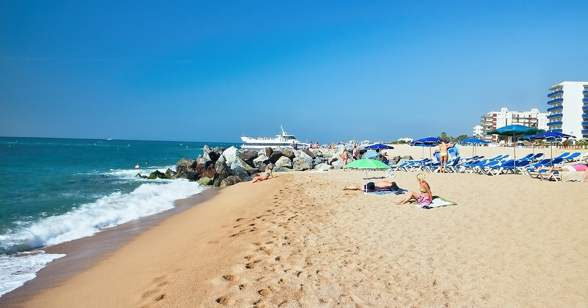 Nyaraljatok a Costa Braván