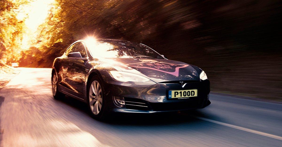A legújabb Tesla vezetése