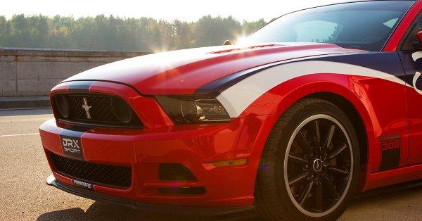 Mustang GT vezetés az Euroringen vagy a Hungaroringen