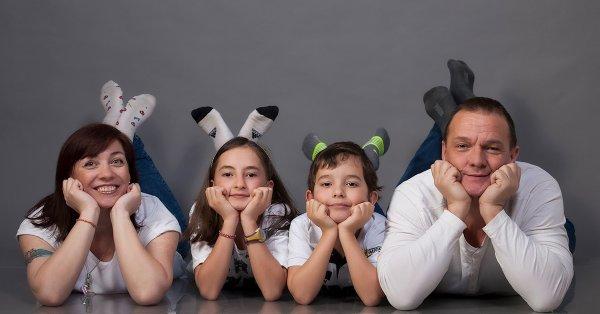 60 perces műtermi családi fotózás 4 főnek