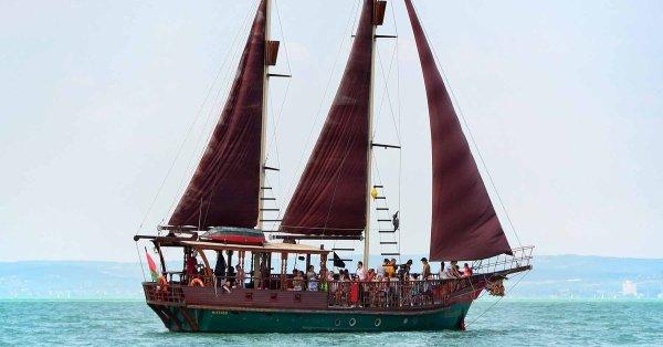 1 órás hajókázós gyerekzsúr a Balatonon 20 főnek